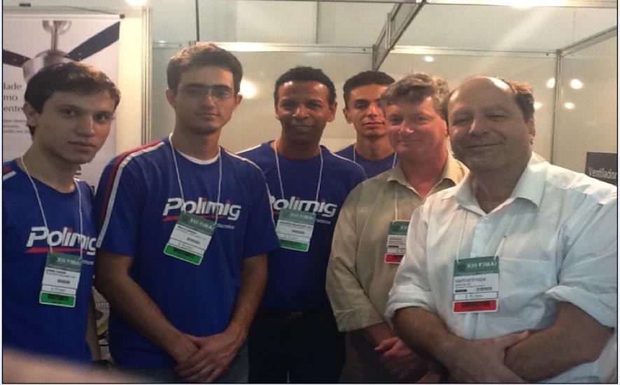 alunos-da-polimig-e-prof-euripes-com-engenheiros-keppe-motor